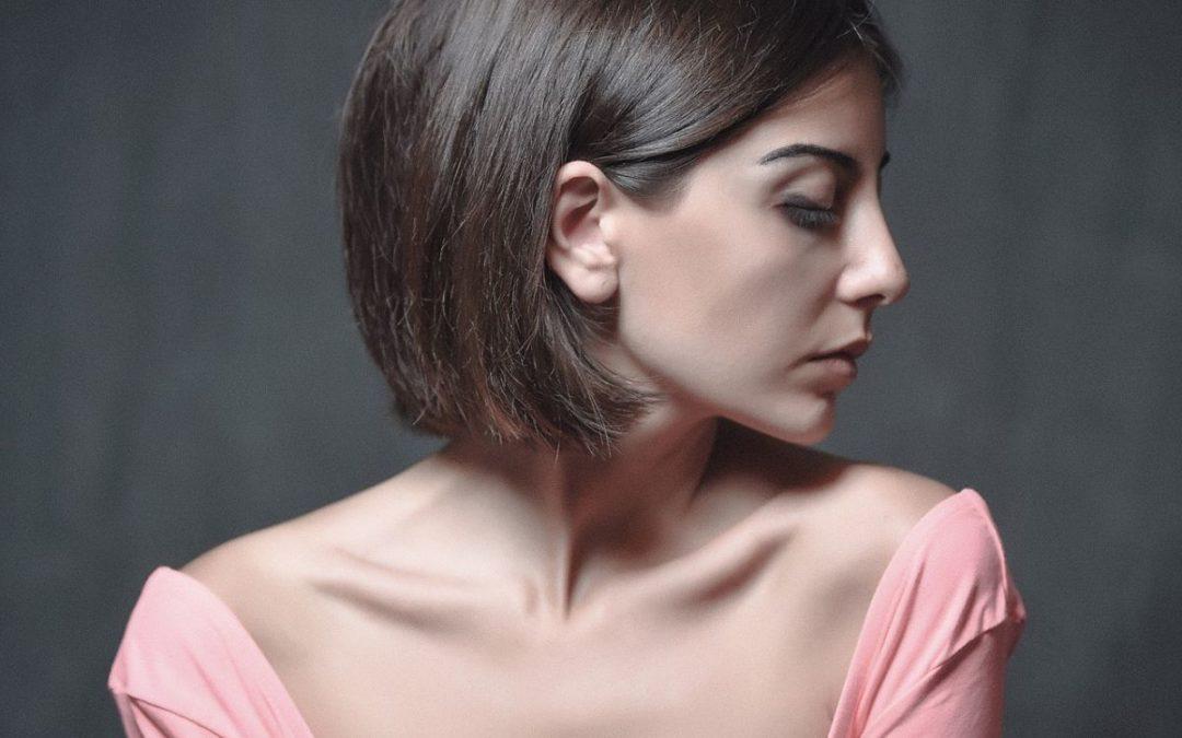 Łupież – jak go pokonać? Opiniujemy 5 najlepszych szamponów przeciwłupieżowych